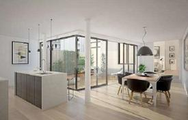 Townhouses for sale in Austria. New open-plan townhouse with a garden in the yard of a historic building, 6th district, Vienna, Austria