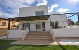 Residential for sale in Benalmadena. Modern, brand new and spacious villa is for sale in Torrequebrada