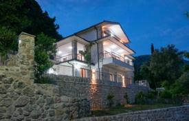 Luxury villa in the settlement Markovici at an altitude of 350 m above sea level for 370,000 €