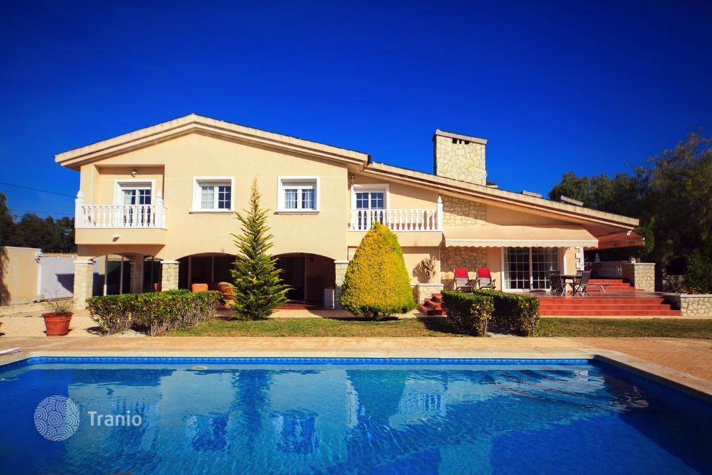 На побережье недвижимость в Испании