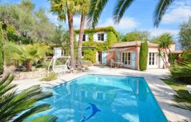 Cheap 3 bedroom houses for sale in Provence - Alpes - Cote d'Azur. Villa – Grasse, Côte d'Azur (French Riviera), France