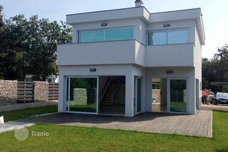 3 bedroom houses for sale in Croatia. The cozy two-storey house in the vicinity of Umag