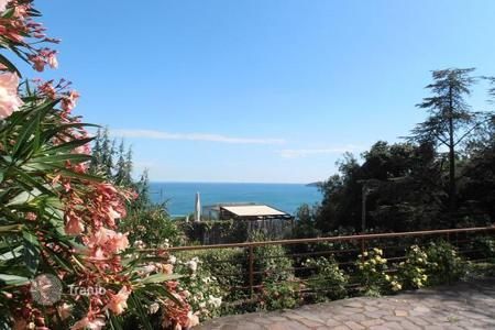 Coastal apartments for sale in Lerici. Apartment – Lerici, Liguria, Italy