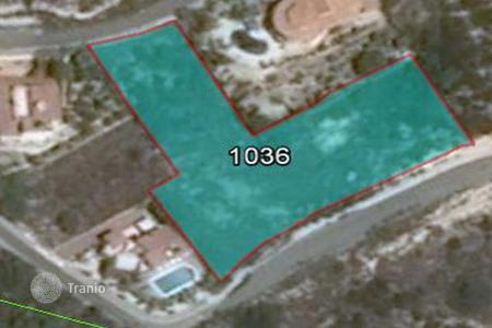 Land for sale in Tala. 2,799 m² large Plot in Tala