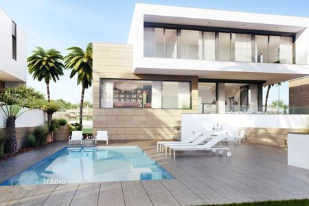 Luxury property for sale in Costa Blanca. Luxury villa on the beach in Torre de la Horadada