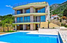 5 bedroom houses by the sea for sale in Montenegro. Spacious waterscape house with beautiful view
