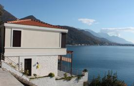 3 bedroom houses for sale in Herceg-Novi. Brand new sea-oriented house in Kamenari/Herceg Novi Municipality. Breathtaking panoramic sea view and only 30m away from the shore.