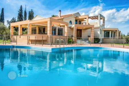 Villas and houses for rent with swimming pools in Administration of the Peloponnese, Western Greece and the Ionian Islands. This elegant villa is located in the picturesque village of Machairado in central Zakynthos, The great villa of 350 sq. m invites y