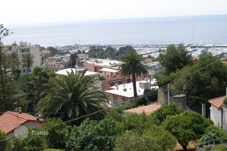 Luxury houses for sale in Sanremo. Villa – Sanremo, Liguria, Italy