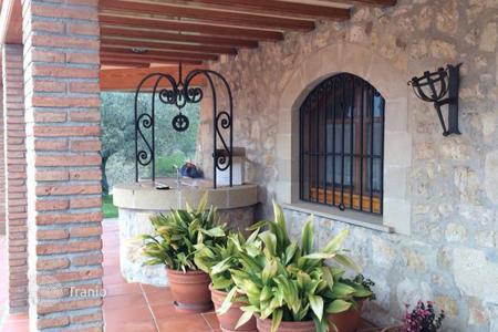 Luxury chateaux for sale in Spain. Country house and castle Costa Dorada