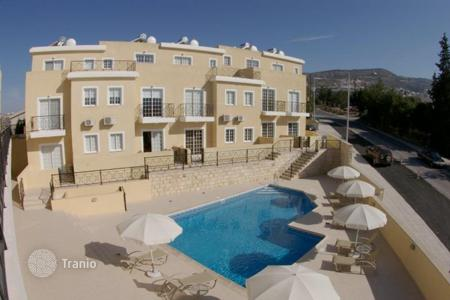 Townhouses for sale in Paphos. Townhouse in a small residential complex near the sea and the village of Peyia, Paphos