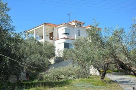 6 bedroom houses for sale in Peloponnese. Sea view villa, in Peloponnese, Greece. Plot with garden, in 1 km from the sea
