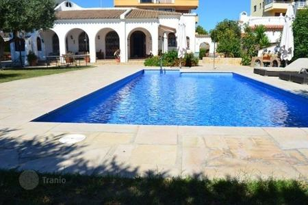 Houses for sale in Mont-roig del Camp. Villa – Mont-roig del Camp, Catalonia, Spain