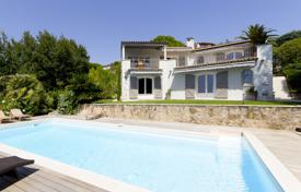Luxury property for sale in Le Cannet. Most beautiful villa