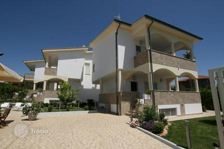 Houses with pools by the sea for sale in Italy. Villa - Santa Marinella, Lazio, Italy