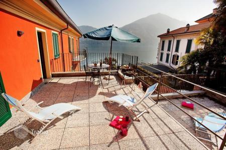 Bank repossessions apartments in Italian Lakes. Apartment – Lake Como, Lombardy, Italy