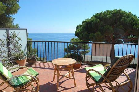 4 bedroom apartments by the sea for sale in Costa Brava. Apartment – Llafranc, Catalonia, Spain
