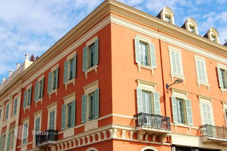 Cheap apartments for sale in Nice. Superb 1 bedroom apartment situated directly on Place Massena