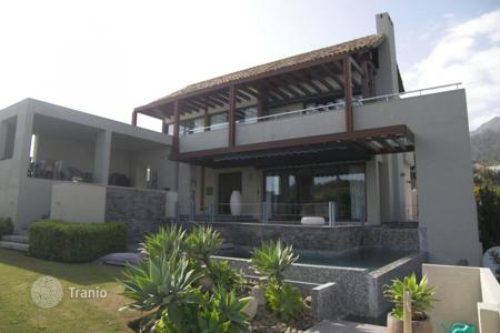 3 bedroom houses for sale in Costa del Sol. Nice Contemporary Villa in Sierra Blanca