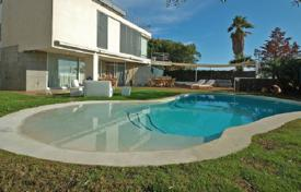 6 bedroom houses for sale in Sitges. Modern designer villa with sea views in Sitges, Spain