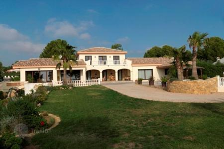 Houses for sale in L'Ampolla. Villa – L'Ampolla, Catalonia, Spain