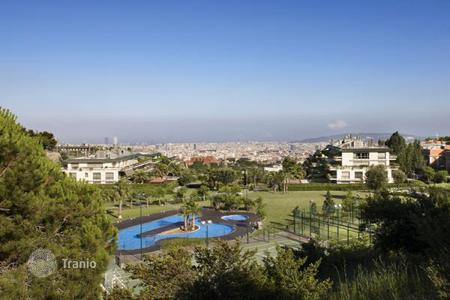 3 bedroom apartments for sale in Barcelona. The apartment is in an exclusive area of Barcelona