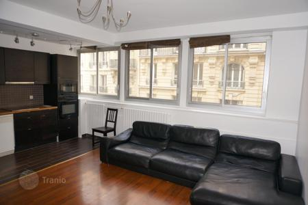 Cheap residential for sale in Ile-de-France. Spacious studio in Paris 16th, Ile-de-France, France