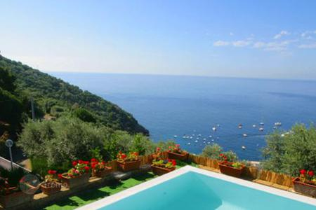 Villas and houses for rent with swimming pools in Amalfi. Villa Olga