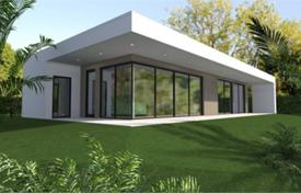 2 bedroom houses for sale in Italian Lakes. New villa with a garden and a garage, in Moniga Del Garda, Brescia, Italy