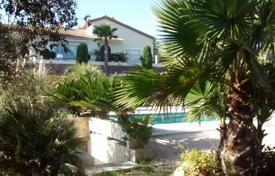 Coastal property for rent in Sainte-Maxime. Villa – Sainte-Maxime, Côte d'Azur (French Riviera), France