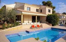 6 bedroom houses for sale in Moraira. Villa of 6 bedrooms with luxury finishes, terrace and pool in Moraira