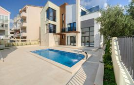 Houses with pools by the sea for sale in Budva. Villa – Budva (city), Budva, Montenegro