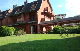 Apartments for sale in Stresa. Stresa. Nice apartment with a private garden and lake view.