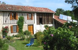 Property for sale in South - Pyrenees. Unique house in perfect condition on 5 hectares of beautiful land