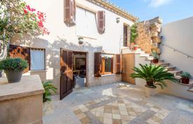 4 bedroom houses for sale in Majorca (Mallorca). Stylish renovated house with an independent studio and a courtyard, Alcudia, Spain