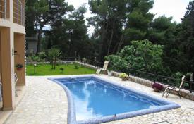 Houses with pools for sale in Herceg-Novi. Villa – Herceg Novi (city), Herceg-Novi, Montenegro