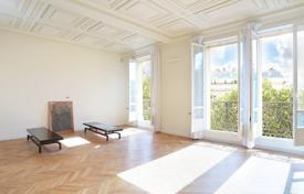 2 bedroom apartments for sale in Ile-de-France. Paris 17th District – A superb two-bed apartment
