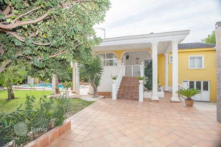 4 bedroom houses for sale in La Pobla de Vallbona. Villa – La Pobla de Vallbona, Valencia, Spain