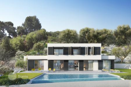 4 bedroom houses for sale in Nice. Magnificent new contemporary villa in a private domain in Nice Gairaut