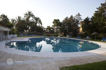 Apartments with pools from developers for sale in Southern Spain. Exclusive apartment for sell/rent in Spain with residence permit option