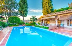 Luxury 4 bedroom houses for sale in Costa del Sol. Stylish Mediterranean Bungalow Villa in Las Chapas, Marbella East