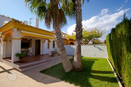 2 bedroom houses by the sea for sale in Valencia. Semi-detached house for sale in Torre de la Horadada!