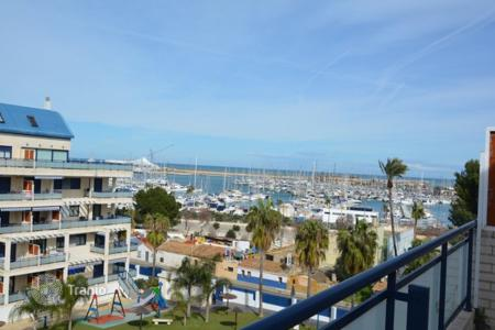 Coastal penthouses for sale in Costa Blanca. Penthouse – Denia, Valencia, Spain