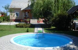 Houses with pools for sale in Heviz. Two-level house with a pool, a garden and a garage near Heviz, Hungary