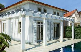 Luxury houses for sale in Italy. New two-storey villa in Marina di Pietrasanta, Tuscany, Italy