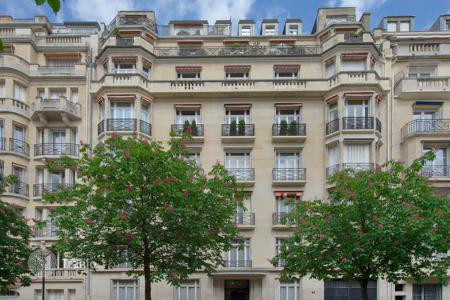 2 bedroom apartments for sale in Ile-de-France. Superb duplex apartment in Paris 7, Ile-de-France, France