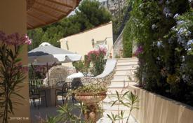 5 bedroom houses for sale in Cap d'Ail. Spacious villa with a swimming pool, Cap d'Ail, France