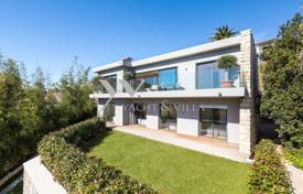 Luxury 5 bedroom houses for sale in Villefranche-sur-Mer. Villa – Villefranche-sur-Mer, Côte d'Azur (French Riviera), France
