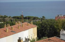 Property for sale in Montgat. House for sale with parking incluided and lovely sea and montain views!