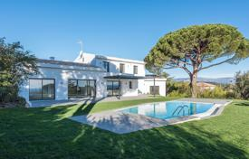 Houses with pools for sale in Vallauris. Super Cannes — Rare gated domain — Sole agent
